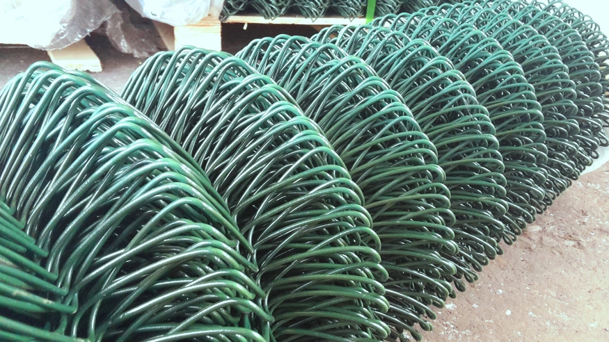 1800mm wide / 6ft Green PVC Coated Chainlink Fence | 10 mtr Plastic ...