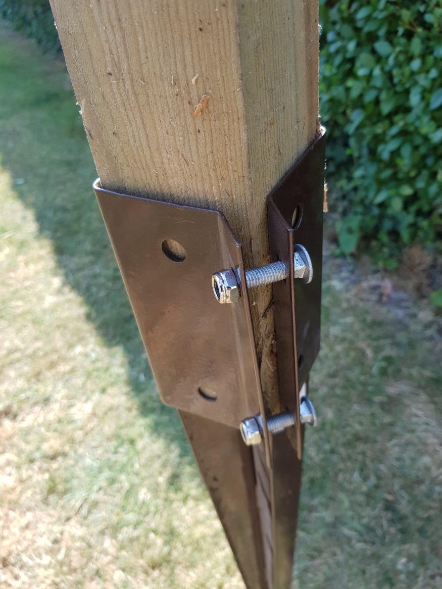 Metal Fence Post Spikes Bolt Grip Drive In 50x50mm