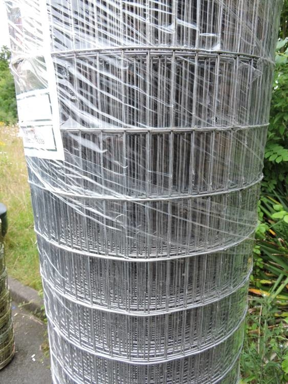 Thick Welded Wire Mesh Fencing Rectangular Steel Fence