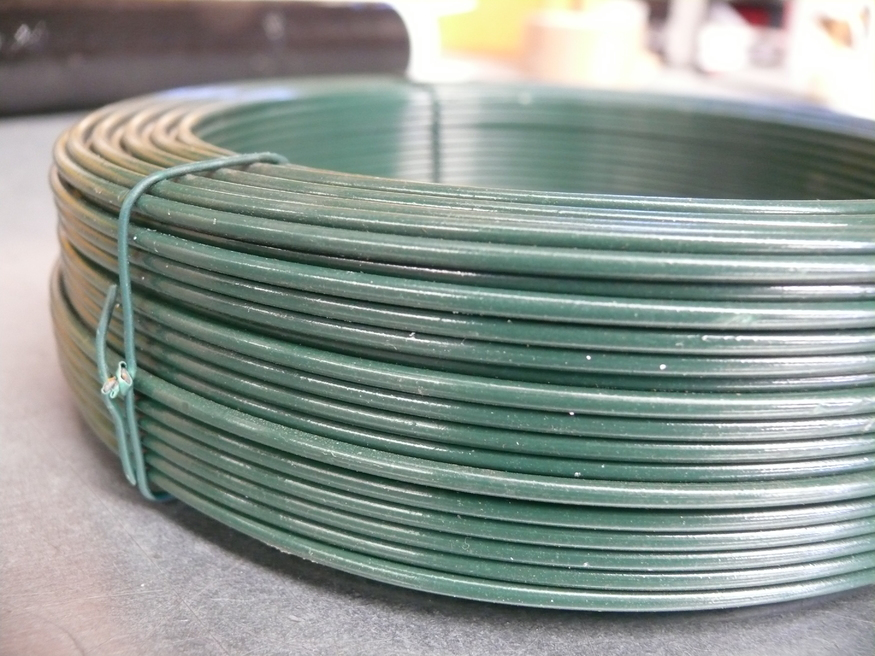 Green PVC Coated Steel Line Wire for fencing 3.15/2.24mm x 75m