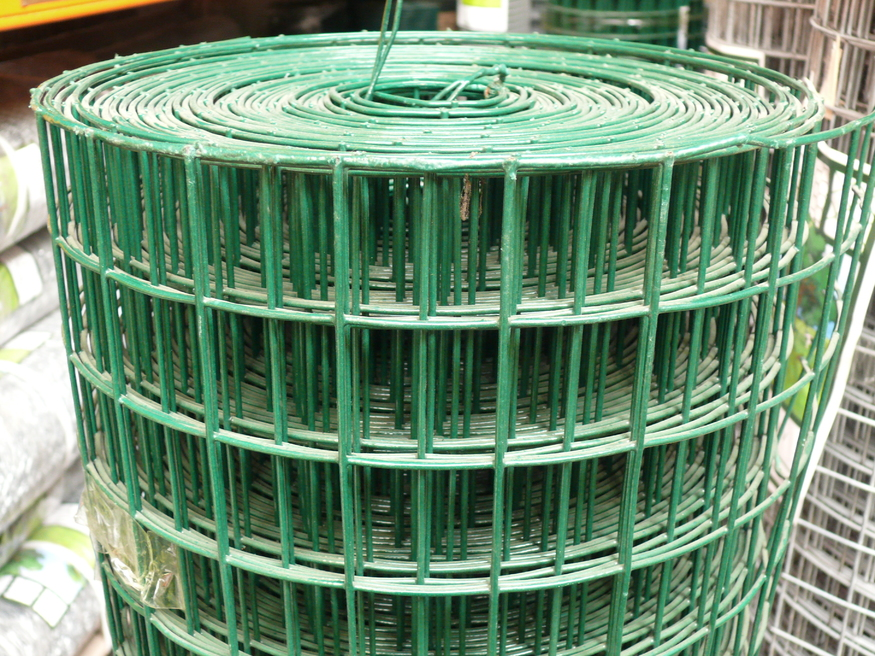Green Pvc Weld Mesh Fence 0 9mx25m Thick 10 Gauge Wire