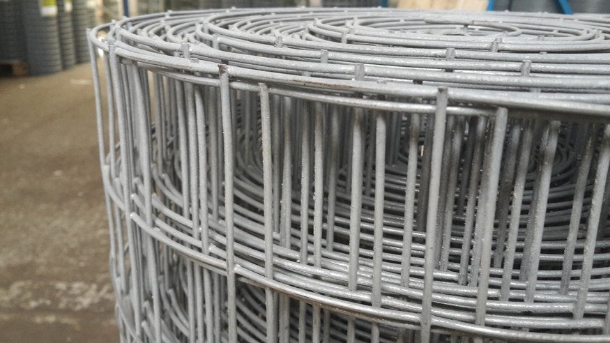 Heavy weld mesh 90cmx25m galvanised fencing 50mm holes heavy duty weld mesh 900mm3ft x 25m 50x50mm holes 14 swg greentooth Gallery