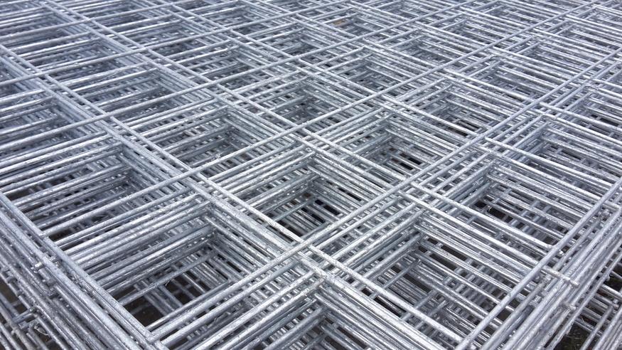 Welded Mesh Panel 2.44mx1.22m, 8ft x 4ft | 75 / 3inch holes | 12 gauge