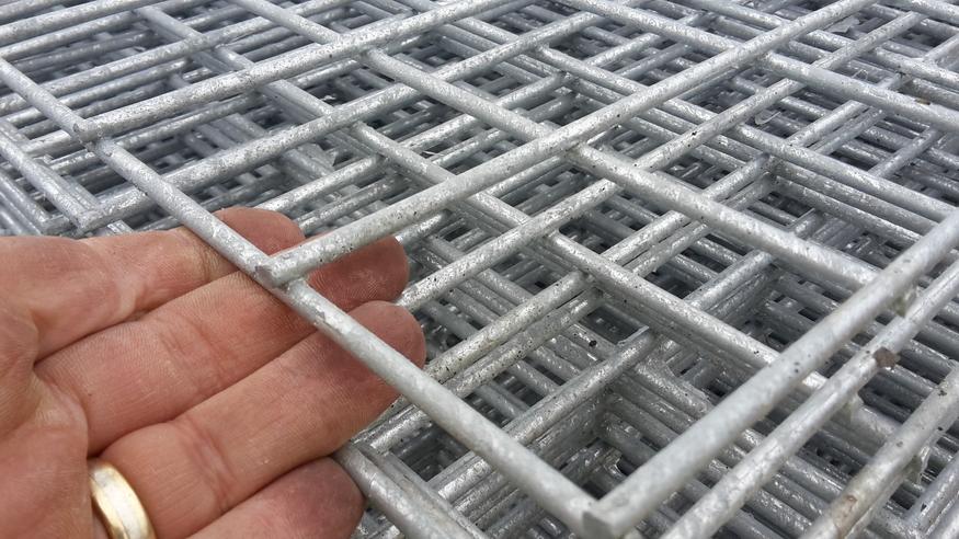 Galvanised Steel Weld Mesh Panel 1 8mx0 6m 75mm Aperture