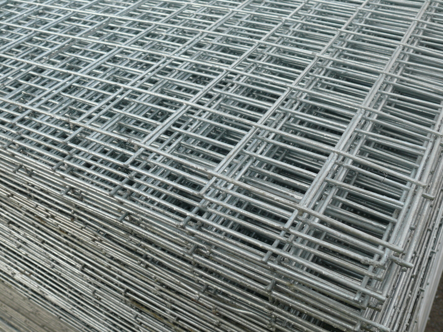 Weld Mesh Sheet| 6ft x 3ft / 1.8mx0.9m | 50mm/2"|875|656|?|88216313008bff93fa9aac5b0d52b30b|False|UNLIKELY|0.30432942509651184