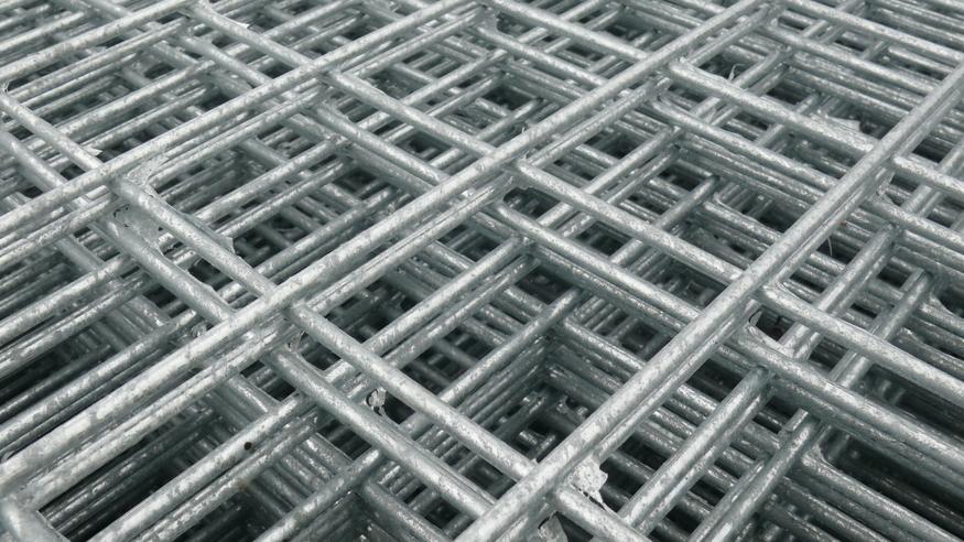 Weld Mesh Panel 2.4m x 1.22m 8ftx4ft | 25mm hole | Heavy Duty 3mm wire