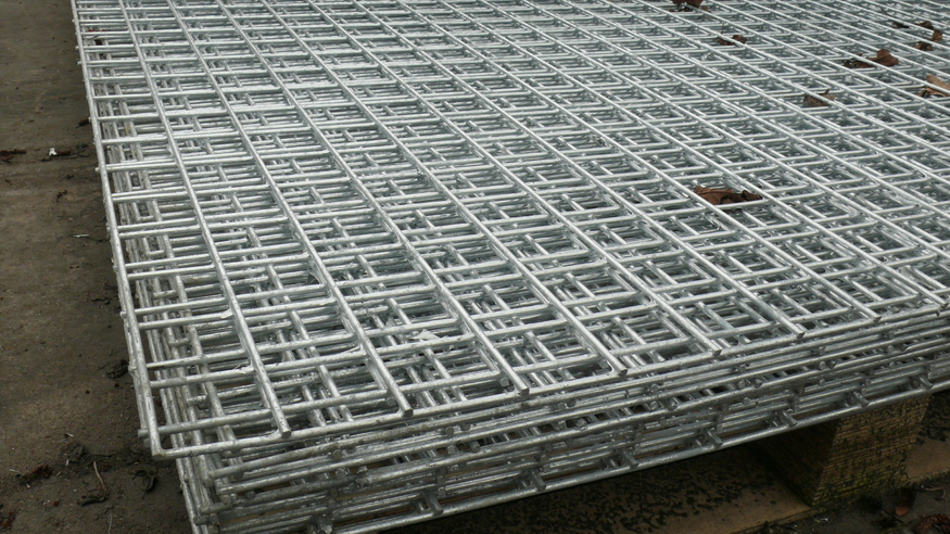 Weld Mesh Panel 2 4m X 1 22m 8ftx4ft 25mm Hole Heavy