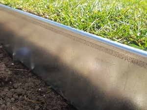 Lawn Edge Galvanised Steel | 100mm high x 1070mm long - 5 pack