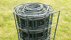 Square Plastic Garden Mesh ~ 1m x 30m roll ~ 45x45mm holes ~ Green