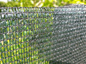 70% Shelter & Shade Netting - Green Knitted Fencing Mesh - 1m x 50m