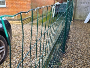 Green PVC Coated Wire Fencing Mesh 0.6m x 25m (100x75mm mesh)
