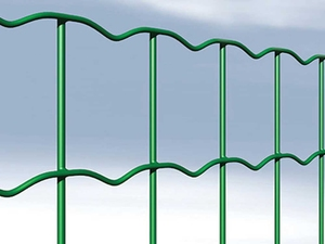 Green PVC Coated Wire Fencing Mesh 1.8m x 25m (100x75mm mesh)
