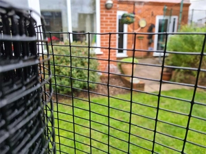 Black PVC Coated Welded Wire Mesh 3ft x 30m (1 x ½ inch holes)