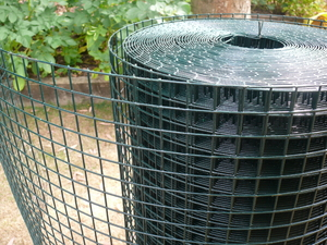Thick PVC Coated Welded Wire Mesh 4ft x 30m (25mm mesh), 14/16 swg