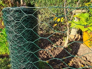 Green PVC Wire Netting - 1m x 50m roll / 50mm Mesh Hole