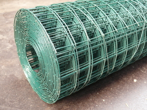 Welded Wire Mesh 0.9m x 25m Green PVC Coated Steel Fencing 25mm Holes 17 Gauge