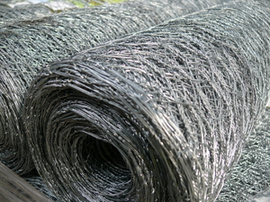 Rabbit Netting (Heavy) ~ 1.05m x 50m ~ 31mm 18g / 1.2mm (Galv. After Weave)