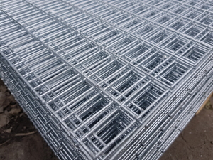 "Welded Wire Mesh Panel 2.44x1.22m 50x25mm 2x1"" holes (10 gauge)"